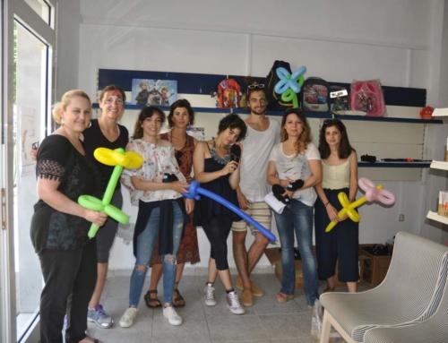 Οι εθελοντές μας δίπλα στο Κοινωνικό Παντοπωλείο του Δήμου Νέας Προποντίδας.